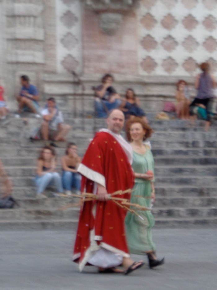 Red robe Piazza iv novembre