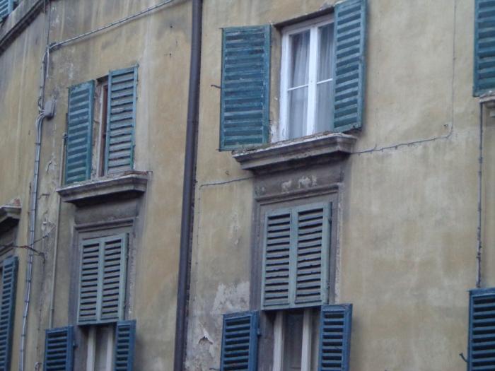 Close up shutters